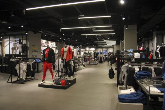 """Магазин """"Adidas"""""""