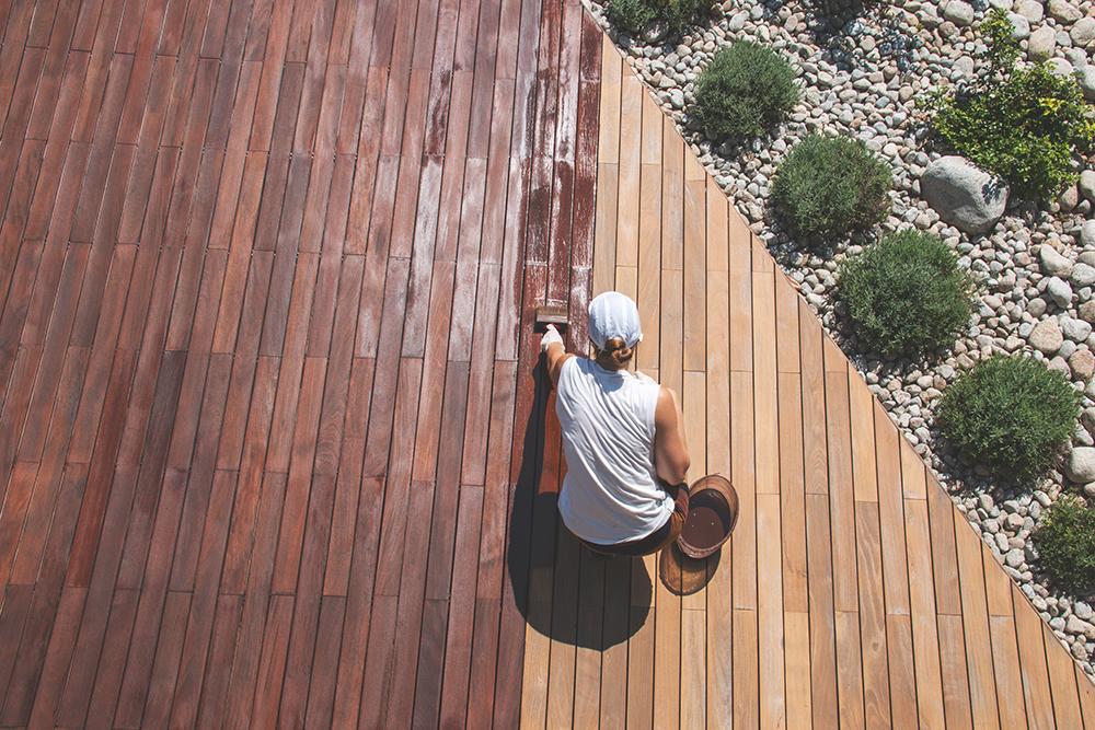 Как продлить жизнь деревянным сооружениям с помощью машинного масла?