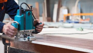Убираем царапины и потёртости с мебели своими руками: профессиональные средства и народные советы